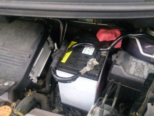 バッテリー 交換 タント 方法 費用