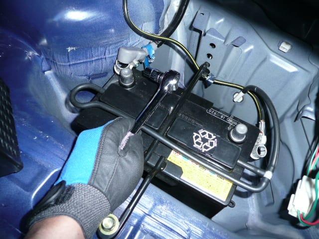ロードスター バッテリー 上がり つなぎ方 対処法 原因