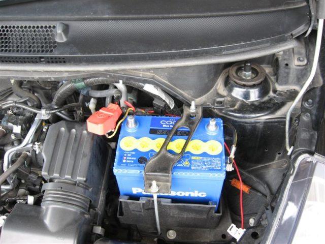 バッテリー 交換 フィット 方法 費用