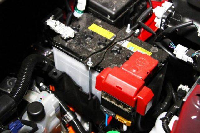 バッテリーチャージャー使い方 車 つなぎ方