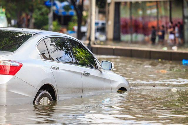 車 水没 修理